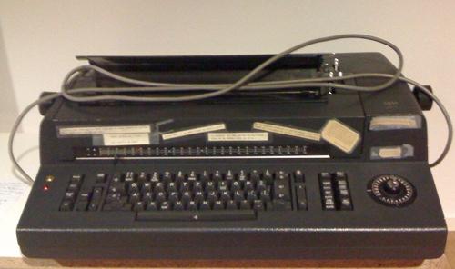 Machine à écrire IBM utilisée par l'Assemble constituante jurassienne en 1976